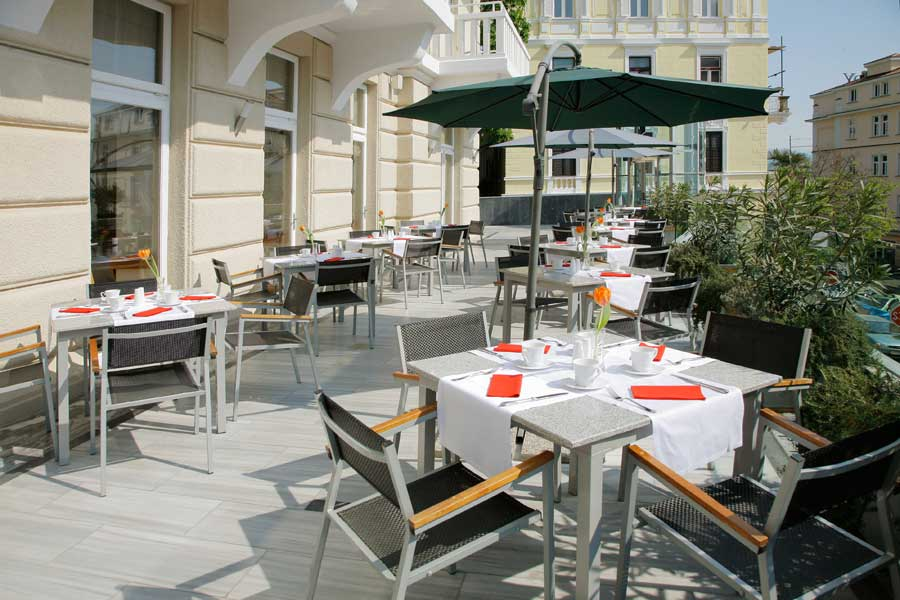 Astoria design hotel in opatija kroatien for Design hotel kroatien