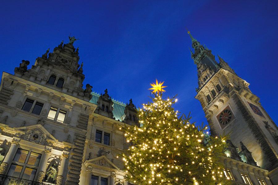 historischer weihnachtsmarkt am rathausplatz in hamburg. Black Bedroom Furniture Sets. Home Design Ideas