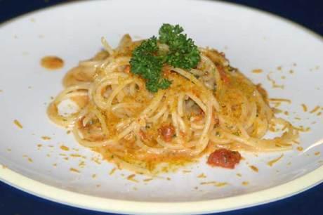 Spaghtetti mit Seeigel und Bottarga