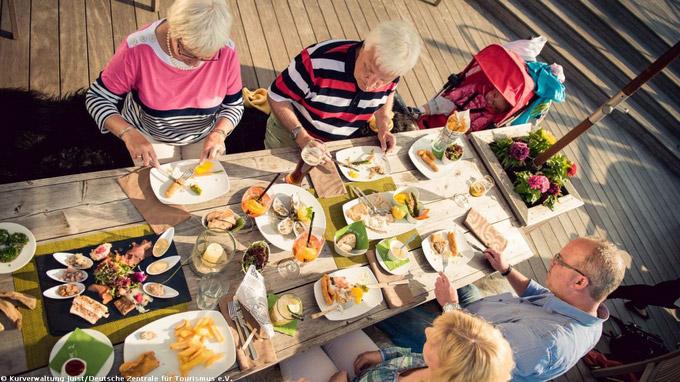 © Kurverwaltung Juist/Deutsche Zentrale für Tourismus e.V. / Kulinarik in Juist, Nordsee / Zum Vergrößern auf das Bild klicken