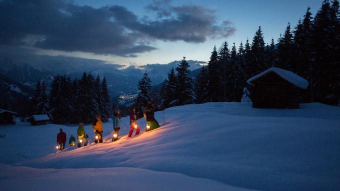 © Montafon Tourismus GmbH, Schruns / Stefan Kothner / Mondscheinwanderung / Zum Vergrößern auf das Bild klicken