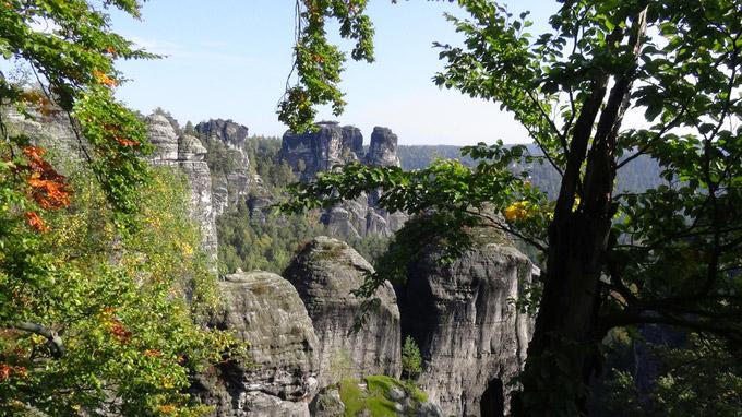 © 55PLUS Medien GmbH, Wien / Sächsische Schweiz, Deutschland - Fels / Zum Vergrößern auf das Bild klicken