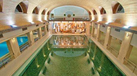 © ThermenResort Warmbad-Villach / Hotel Warmbaderhof, Villach Urquellenbad / Zum Vergrößern auf das Bild klicken