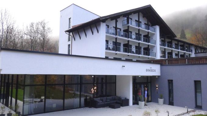 © 55PLUS Medien GmbH, Wien / Garmisch-Partenkirchen, Deutschland - Das Graseck / Zum Vergrößern auf das Bild klicken