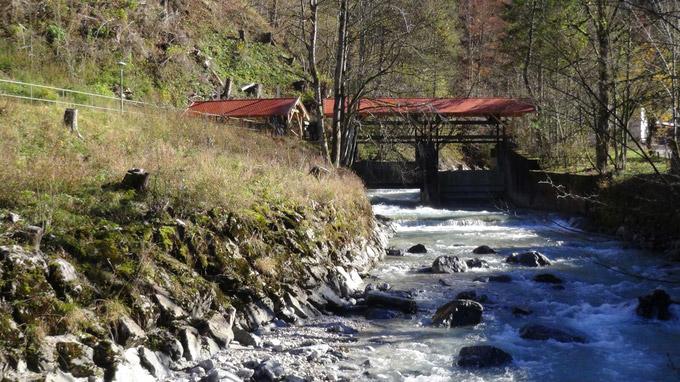 © 55PLUS Medien GmbH, Wien / Garmisch-Partenkirchen - Holzbrücke / Zum Vergrößern auf das Bild klicken