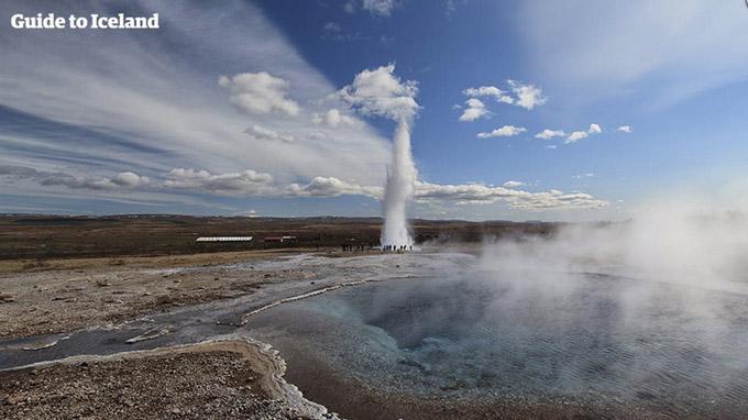 © Iurie Belegurschi / Geysir auf Island / Zum Vergrößern auf das Bild klicken