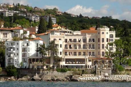 Foto © Edith Spitzer, Wien | www.55PLUS-magazin.net / Hotel Miramar, Opatija, Kroatien - Ansicht vom Meer
