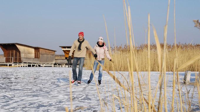 © NTG / steve.haider.com / Neusiedler See, Burgenland - Eis-Laufen / Zum Vergrößern auf das Bild klicken
