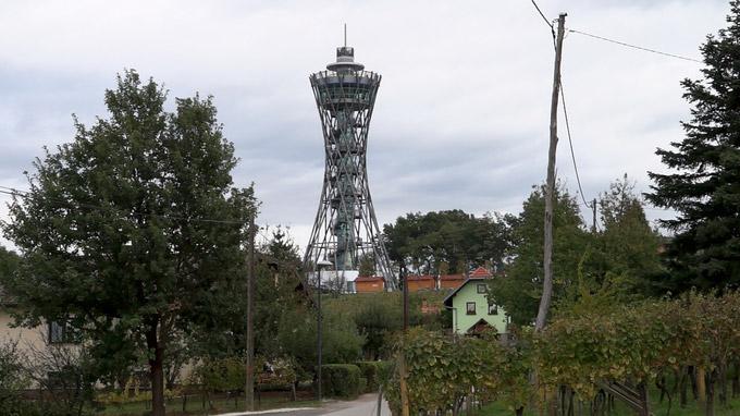 55PLUS Medien GmbH / Lendava - Aussichtsturm Vinarium / Zum Vergrößern auf das Bild klicken