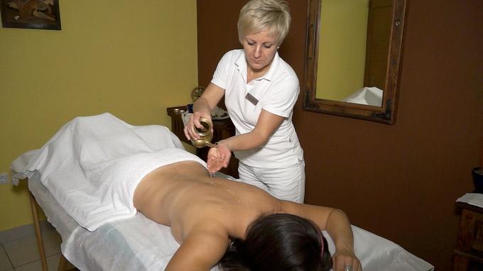 55PLUS Medien GmbH / Terme Radenci - Ayurveda Massage / Zum Vergrößern auf das Bild klicken