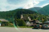 Glacier-Express, Schweiz - Kirche entlang der Strecke / Zum Vergr��ern auf das Bild klicken