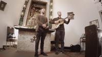 Mag. Johann Varga / Tobias und Michi Regner singen Stille Nacht / Zum Vergrößern auf das Bild klicken