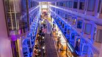 © Tallink Silja Line / Fährschiff Silja Serenade_Promenade / Zum Vergrößern auf das Bild klicken