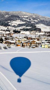 © Flora Jädicke, Regensburg / Kössen, Tirol - Ballon_Schatten / Zum Vergrößern auf das Bild klicken