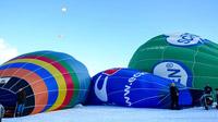 © Flora Jädicke, Regensburg / Kössen, Tirol - Ballon füllen / Zum Vergrößern auf das Bild klicken