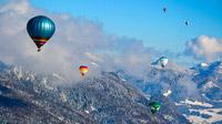 © Flora Jädicke, Regensburg / Kössen, Tirol - Ballon über verschneite Landschaft / Zum Vergrößern auf das Bild klicken