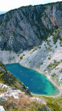 © Kroatische Zentrale für Tourismus / Blue Lake Imotski, Kroatien - Sergio Gobbo / Zum Vergrößern auf das Bild klicken
