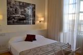 © Flora Jädicke, Regensburg / Syrakus, Sizilien - Hotelzimmer / Zum Vergrößern auf das Bild klicken