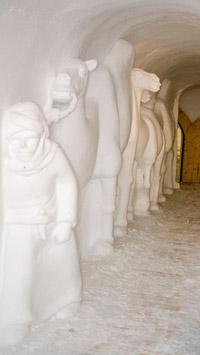 © Flora Jädicke, Regensburg / Eiskunst an der Wand, Zugspitze / Zum Vergrößern auf das Bild klicken