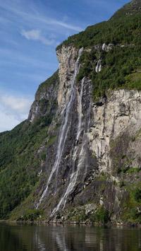 © Anita Arneitz, Klagenfurt / Geiranger-Fjord, Norwegen - Wasserfall / Zum Vergrößern auf das Bild klicken