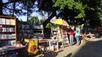 © 55PLUS Medien GmbH, Wien / Edith Spitzer / Havanna, Kuba - Büchermarkt / Zum Vergrößern auf das Bild klicken