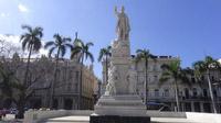 © 55PLUS Medien GmbH, Wien / Edith Spitzer / Havanna, Kuba - Parque Central_Statue / Zum Vergrößern auf das Bild klicken
