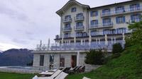 © 55PLUS Medien GmbH, Wien / Ennetbürgen, Schweiz - Hotel Villa Honegg_mit Terrasse und Pool / Zum Vergrößern auf das Bild klicken
