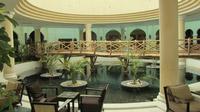 © Edith Köchl, Wien / Sharm el Sheikh, Ägypten - Grüne Lounge Bar / Zum Vergrößern auf das Bild klicken