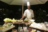 © 55PLUS Medien GmbH, Wien / Hotel Raffles, Seychellen - Pool-Restaurant und Bar / Zum Vergrößern auf das Bild klicken
