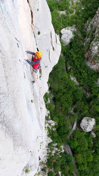 © Luka Tambaca / Klettern Paklenica, Kroatien / Zum Vergrößern auf das Bild klicken