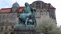 © Edith Spitzer, Wien / Magdeburg, Deutschland - Standbild Otto v Guericke / Zum Vergrößern auf das Bild klicken