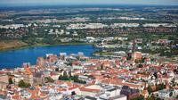 © Hansestadt Rostock / Fotoagentur Nordlicht / Rostock, DE - Hansestadt von oben / Zum Vergrößern auf das Bild klicken