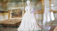 © SKB / Foto Dieter Nagl / Hofburg Wien - Ausstellung Sisi und die Ungarn_Statuette Elisabeth / Zum Vergrößern auf das Bild klicken
