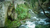 © Dr. Charles E. Ritterband / Griechenland - Wassermühle in Livadia / Zum Vergrößern auf das Bild klicken