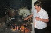 Foto © Edith Spitzer, Wien | 55PLUS Medien GmbH / Rauchhaus Mühlgrub, Hof bei Salzburg - Kochen über dem offenen Freuer / Zum Vergrößern auf das Bild klicken