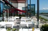 Foto: © www.holidayinn-villach.com / Holiday Inn Hotel Villach - Terrasse / Zum Vergrößern auf das Bild klicken