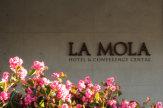 © 55PLUS Medien GmbH / Hotel La Mola, Spanien - Eingang / Zum Vergrößern auf das Bild klicken