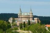 Bojnice, Slowakei - Schloss_ferne / Zum Vergrößern auf das Bild klicken