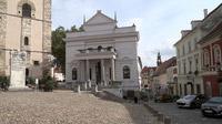 55PLUS Medien GmbH / Kirchenplatz mit Cafés in Ptuj, Slowenien / Zum Vergrößern auf das Bild klicken