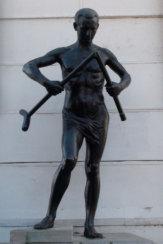 Bad Piestany, Slowakei - Statue Der Krückenbrecher / Zum Vergrößern auf das Bild klicken