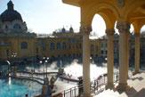 Budapest - Széchenyi-Bad, Blick auf Thermalbecken / Zum Vergrößern auf das Bild klicken