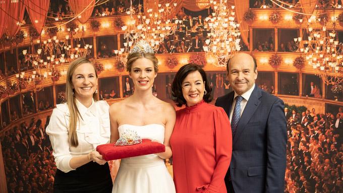 © Wiener Staatsoper / Ashley Tayler / Opernball 2019 - Tiara / Zum Vergrößern auf das Bild klicken