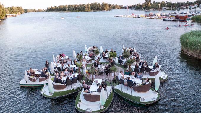 © Meine Insel Bootsvermietung / Alte Donau, Wien - Floating Concert / Zum Vergrößern auf das Bild klicken