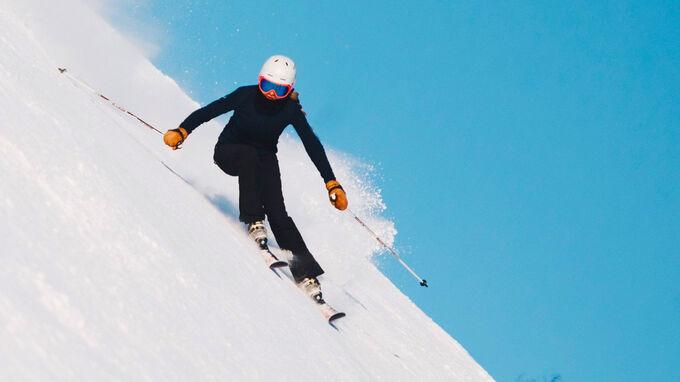 © Unsplash / Skifahrerin / Zum Vergrößern auf das Bild klicken