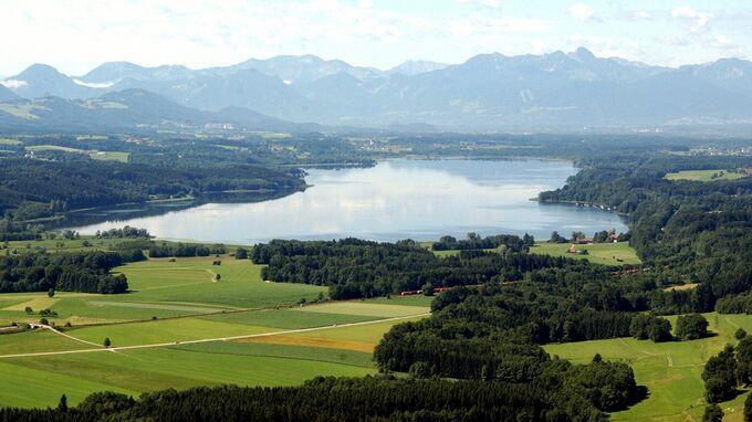 © pixabay com / Chiemsee - Siemsee, Bayern - Bergpanorama / Zum Vergrößern auf das Bild klicken