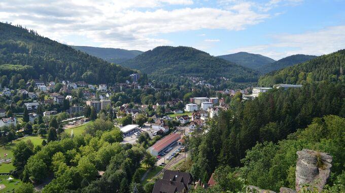 © Rick Eichner / Bad Herrenalb, Baden-Württemberg - Ausblick vom Falkensteinfelsen / Zum Vergrößern auf das Bild klicken