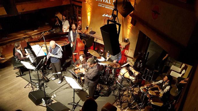 © Charles E. Ritterband / St. Moritz, CH - Classic meets Jazz / Zum Vergrößern auf das Bild klicken