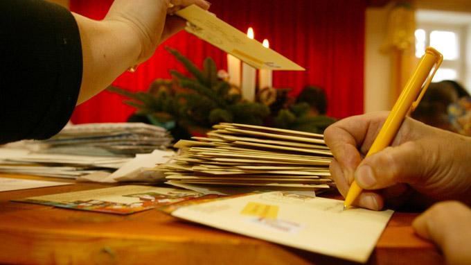 © REGiO-Nord mbH / Archiv / Himmelpfort, Mecklenburg-Vorpommern - Weihnachtsmarkt / Zum Vergrößern auf das Bild klicken