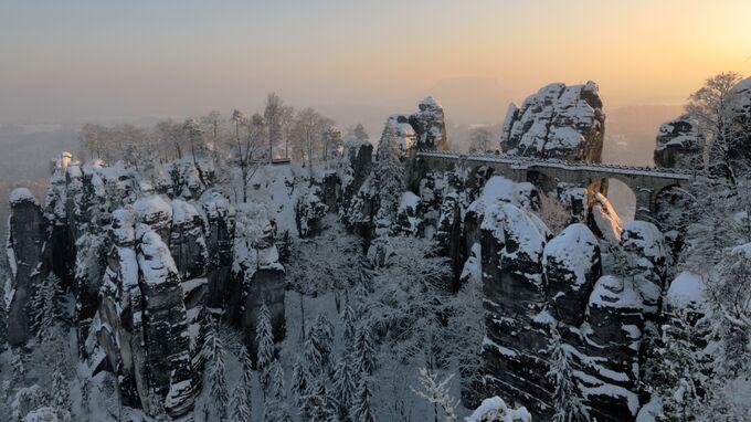 Sächsische Schweiz, Sachsen - Basteibrücke im Winter
