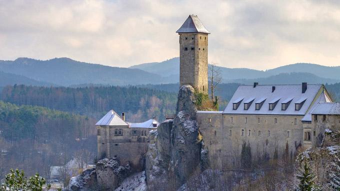 © Nürnberger Land Tourismus / Thomas Geiger / Nürnberger Land, Bayern - Burg Veldenstein_Winter / Zum Vergrößern auf das Bild klicken